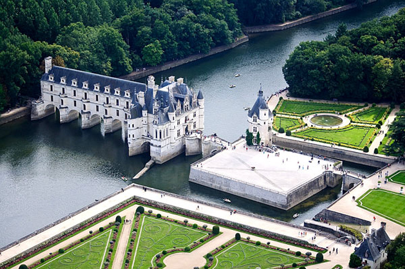 http://mese4inkata.blog.bg/photos/115437/original/Chateau%20de%20Chenanceau.jpg
